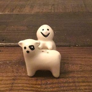 Ghost and Dog salt and pepper shakers